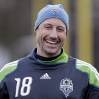 Former US and Leicester 'keeper Kasey Keller knocked out his front teeth while pulling his golf bag from the boot of his car. Fore!
