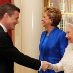 Irish rugby captain Brian O'Driscoll , meets Britain's Queen Elizabeth II with Irish President Mary McAleese at Dublin Castle. (Maxwells/PA Wire)