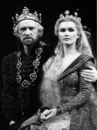 Irish actor Richard Harris playing King Arthur (with Fiona Fullerton as Guinevere) in the stage play 'Camelot' in 1982.