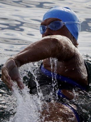 Diana Nyad setting out on her swim from Cuba on Friday.