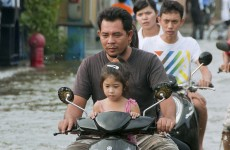 Thailand: Floodwaters begin to creep into Bangkok suburbs