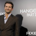 Bradley Cooper can enjoy being People.com's Sexiest Man Alive 2011 as a singleton now that he has ended his affair with Renée Zellwegger. 