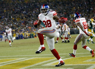 New York Giants wide receiver Hakeem Nicks (88) celebrates after catching a 37-yard touchdown pass.