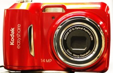 Kodak to save millions by phasing out digital cameras