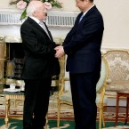 Xi and Higgins shake hands in Aras on Uachtarain this afternoon (Photo: Maxwells/PA Wire)