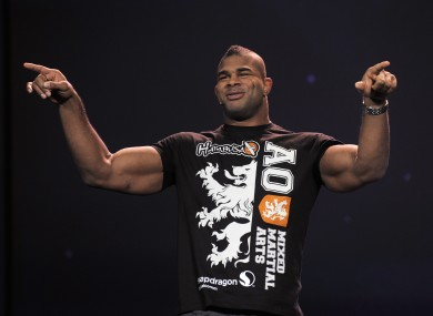 Alistair Overeem: guns.