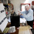 Hugh O' Donnell, Presiding Officer, seals the ballot box after voting on Inishfree Island (Photo: Niall Carson/PA Wire)