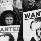 Anti Charles Haughey and extradition pickets opposite the GPO in Dublin in 1989. 