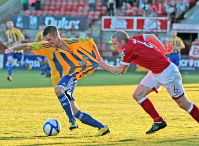 Glen Cronin struggles to keep a hold of Kieran