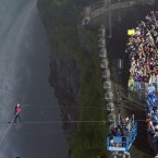 Wallenda completes his walk (AP Photo/The Canadian Press, Frank Gunn)
