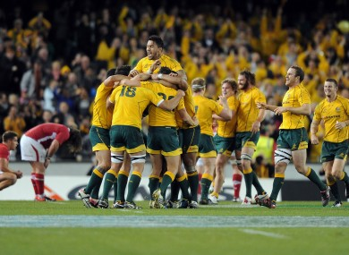Aussie players celebrate their last-gasp win.