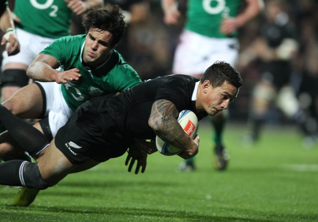 Sonny Bill Williams scores his second try for the All Blacks 23/6/2012