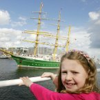  Kerri Donohoe (5) from Dublin watches the Alexander von Humboldt II from Germany.  Photo: Sam Boal/Photocall Ireland.