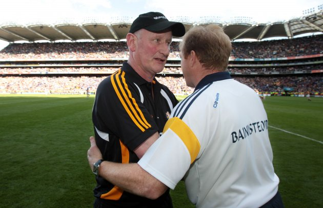 Brian Cody shakes hands with Declan Ryan 4/9/2011