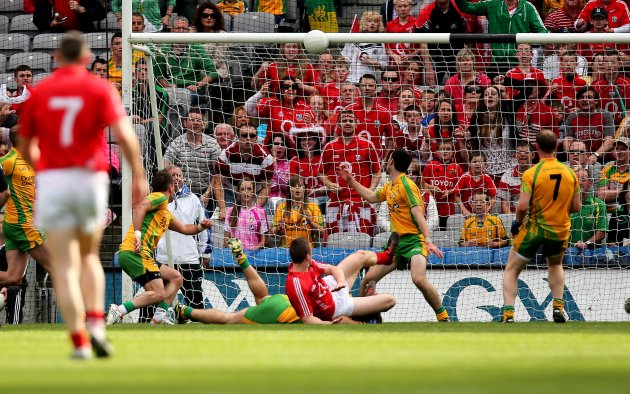 Colm O'Neill hits the cross bar in the second half 26/8/2012