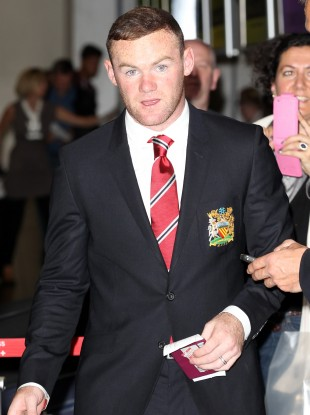Wayne Rooney reckons he could partner RVP this season.