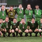 Lining out at the U-20 World Cup in 1999 (bottom right).