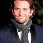 Bradley Cooper goes for a conventional knot. Quite jaunty, we think.