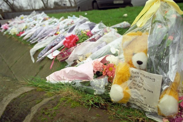 FLORAL TRIBUTES TO JAMES BULGER