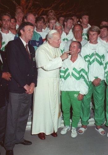 The Irish team meet Pope John Paul II.