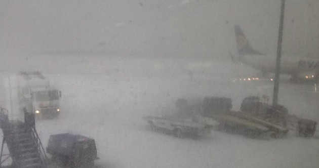 Airline passengers warned of snow delays at Dublin Airport