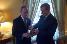 Enda Kenny meets Mayor Bloomberg in New York, gives him a teapot