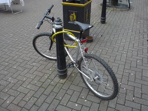http://s2.jrnl.ie/media/2013/05/bike2-4.jpg